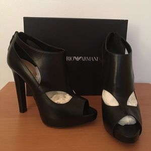 Emporio Armani High Heels Peep toe cut outs 38.5